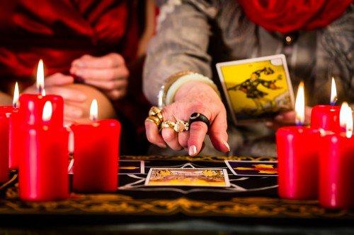 Tarot: Foto: © Kzenon / shutterstock / #361944542
